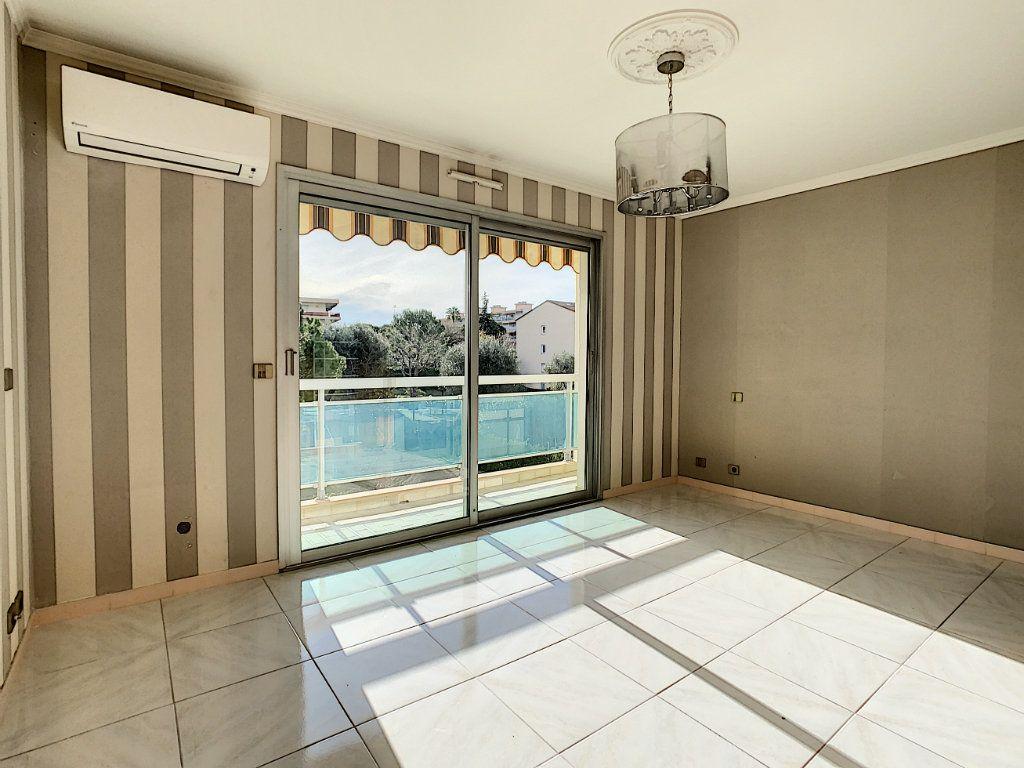 Appartement à vendre 4 160m2 à Antibes vignette-10