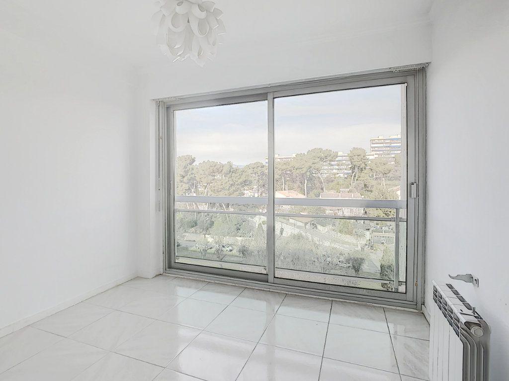 Appartement à vendre 4 160m2 à Antibes vignette-13
