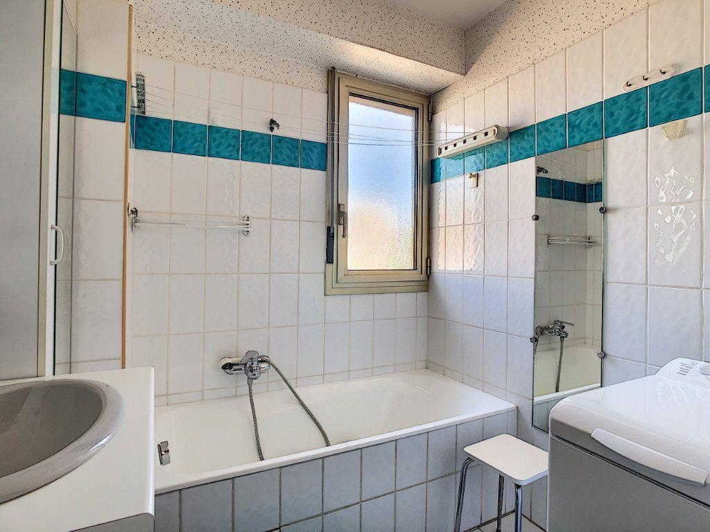 Appartement à vendre 3 45.23m2 à Antibes vignette-3
