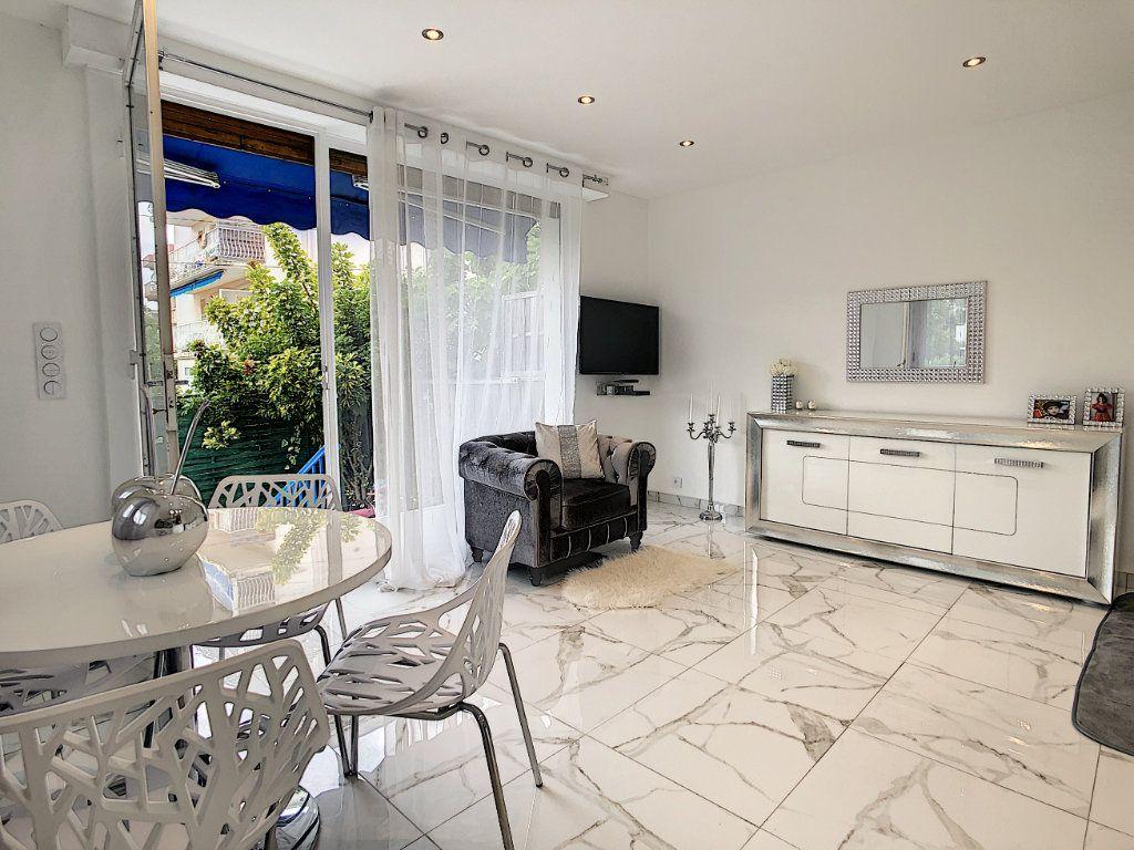 Appartement à vendre 3 58m2 à Antibes vignette-1