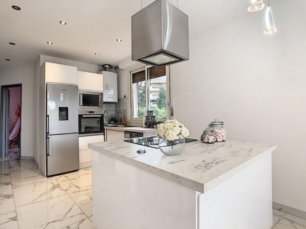 Appartement à vendre 3 58m2 à Antibes vignette-3