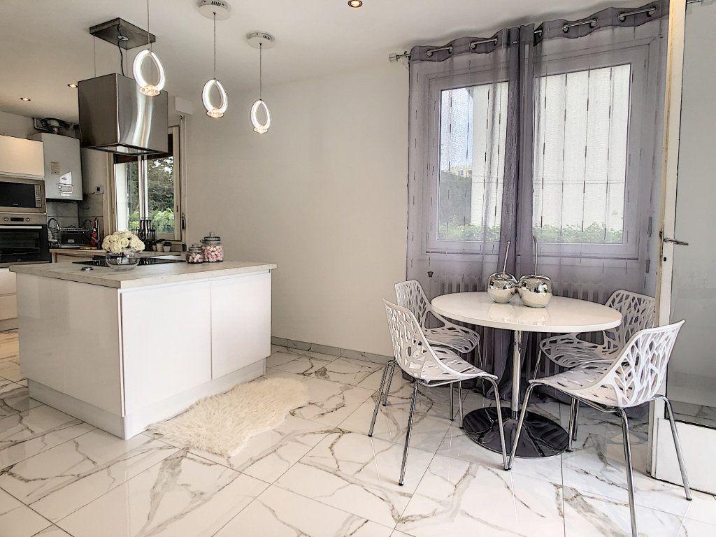 Appartement à vendre 3 58m2 à Antibes vignette-6