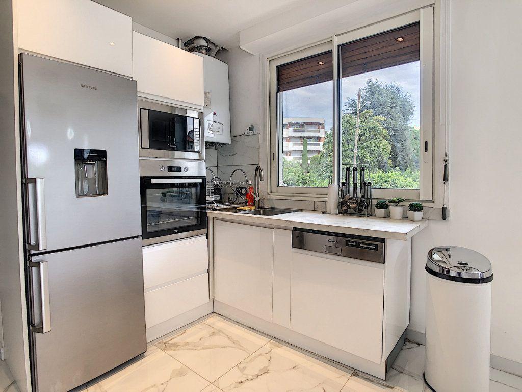 Appartement à vendre 3 58m2 à Antibes vignette-7