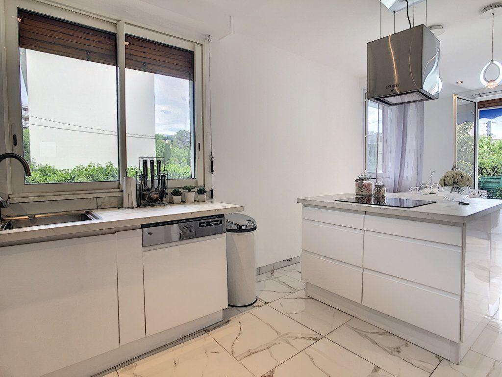 Appartement à vendre 3 58m2 à Antibes vignette-8