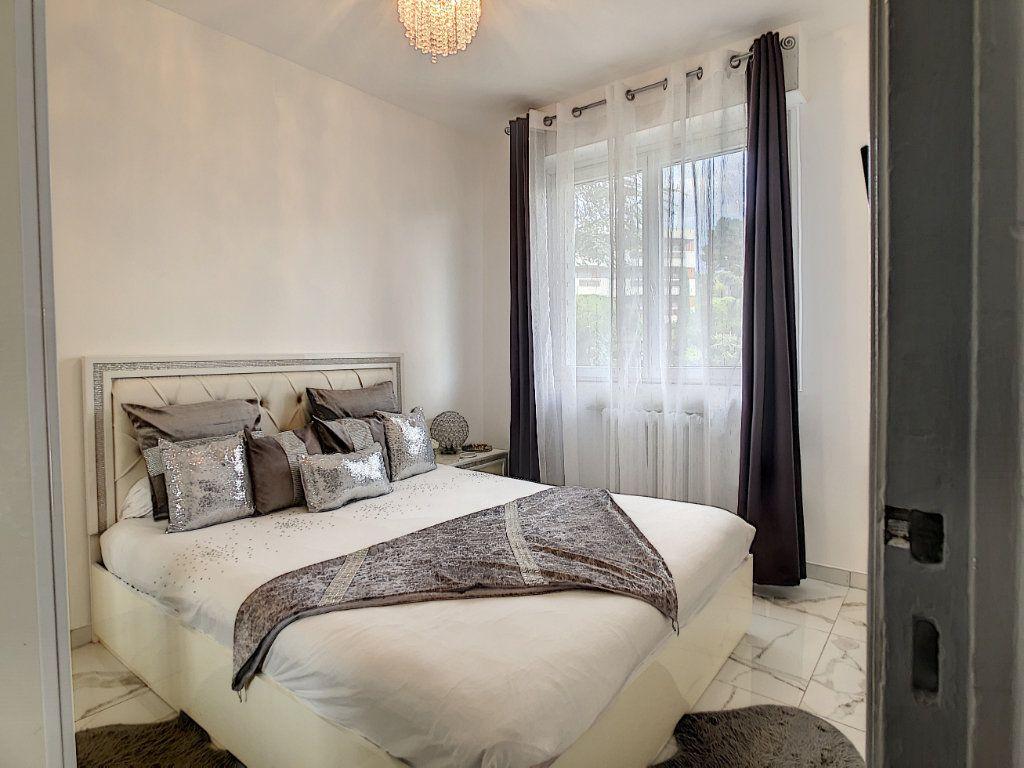 Appartement à vendre 3 58m2 à Antibes vignette-11