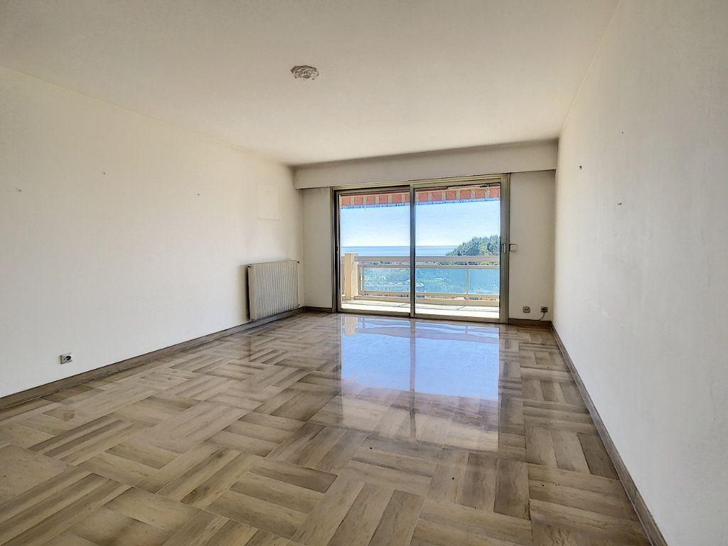 Appartement à vendre 4 93m2 à Antibes vignette-2