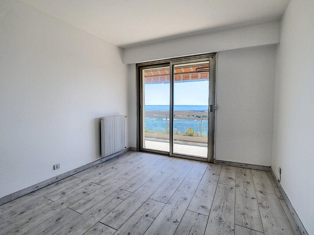 Appartement à vendre 4 93m2 à Antibes vignette-4