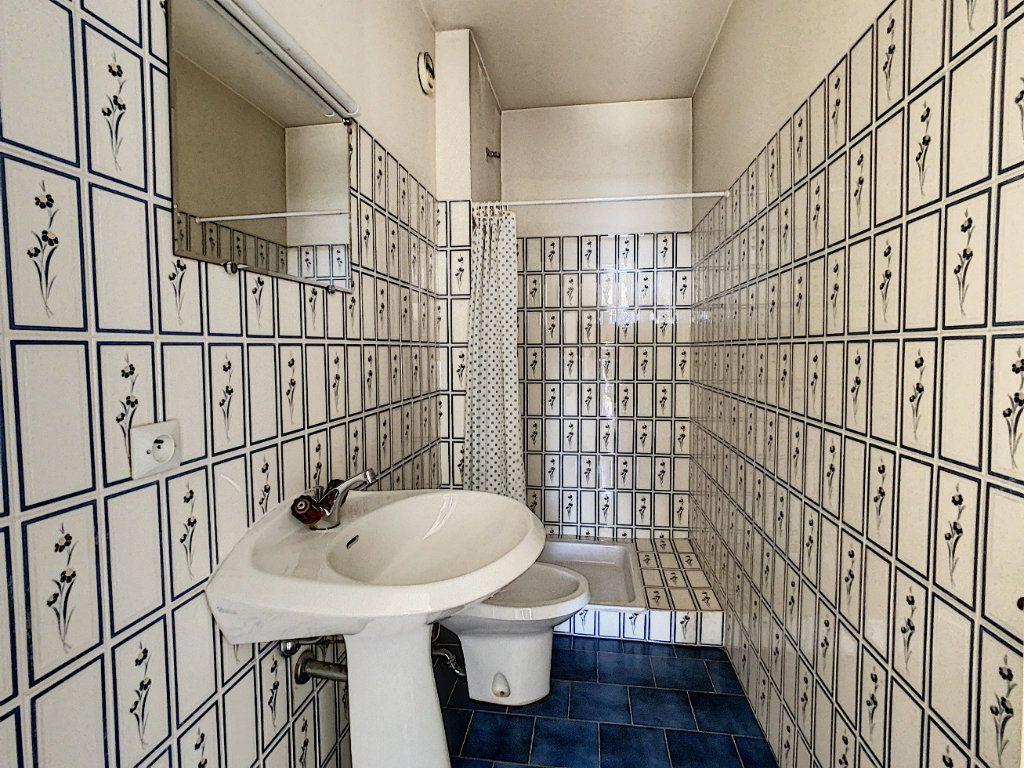 Appartement à vendre 4 93m2 à Antibes vignette-7