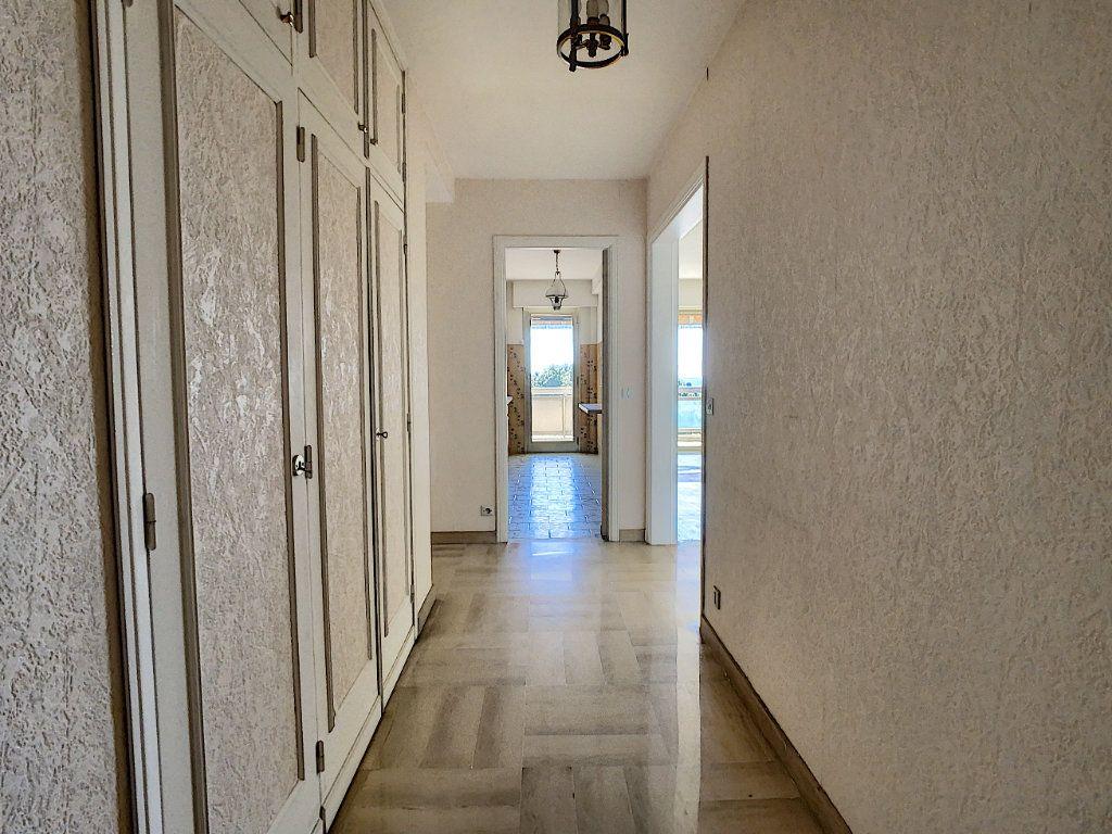 Appartement à vendre 4 93m2 à Antibes vignette-8