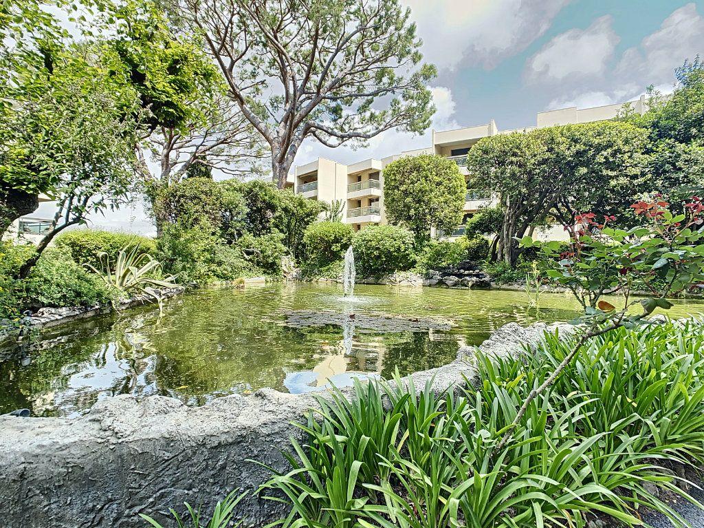 Appartement à vendre 4 93m2 à Antibes vignette-9