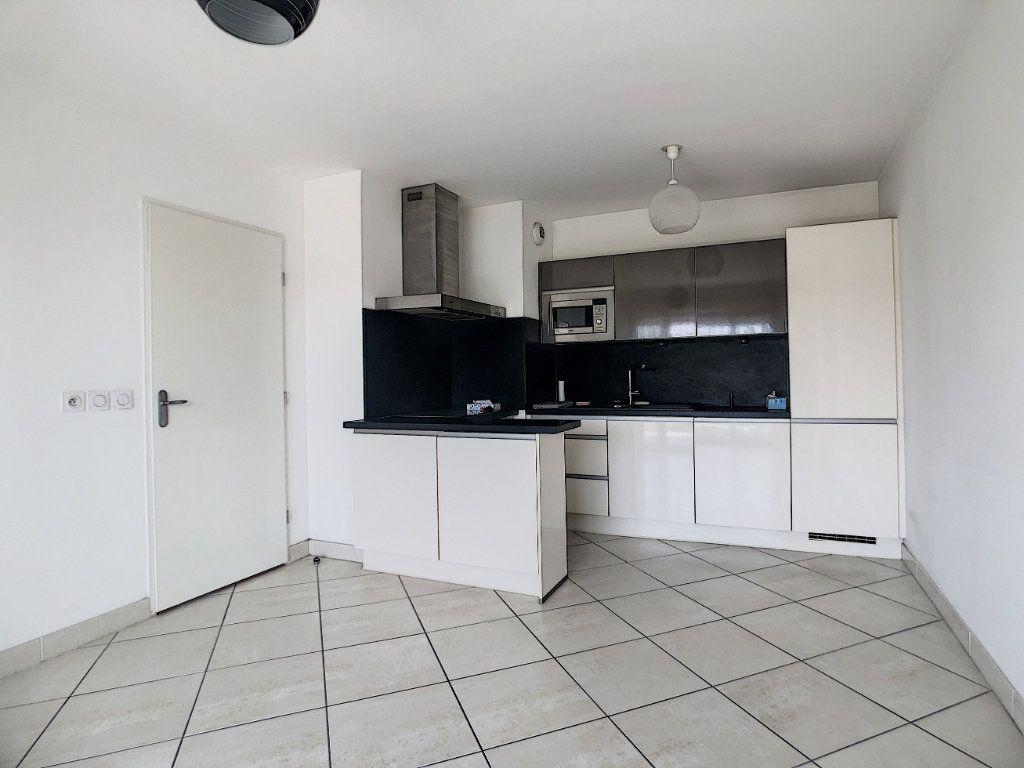 Appartement à vendre 3 55m2 à Antibes vignette-2