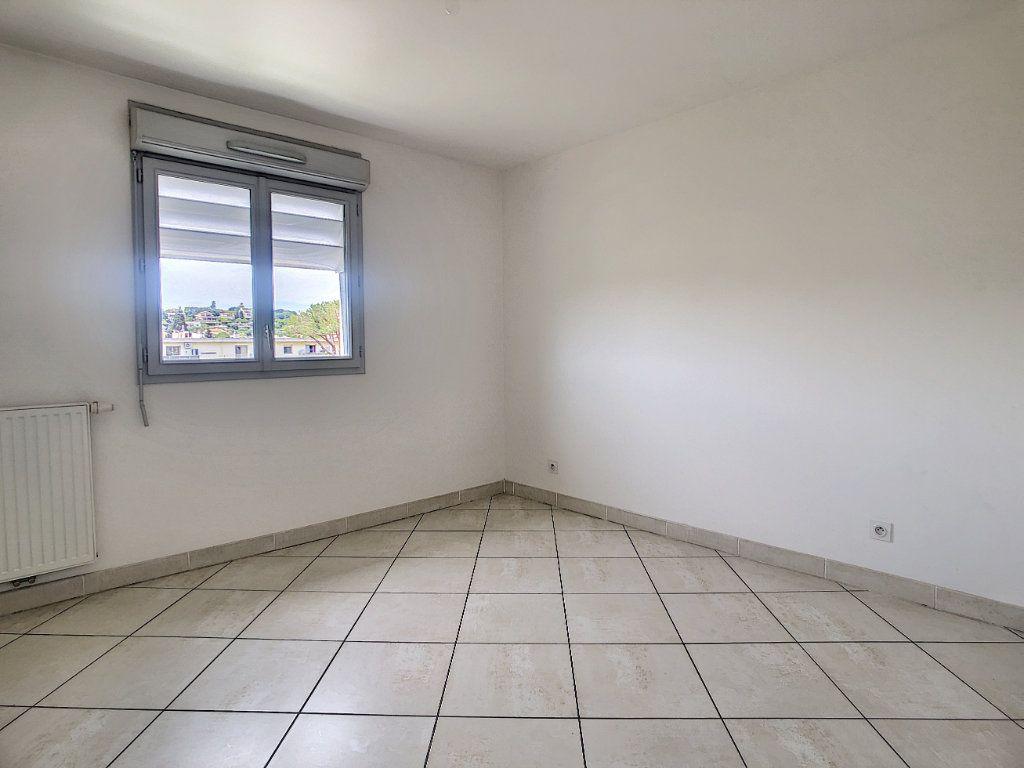 Appartement à vendre 3 55m2 à Antibes vignette-8