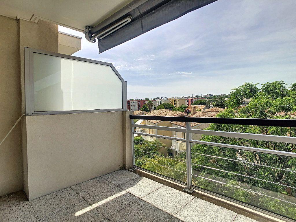 Appartement à vendre 3 55m2 à Antibes vignette-9