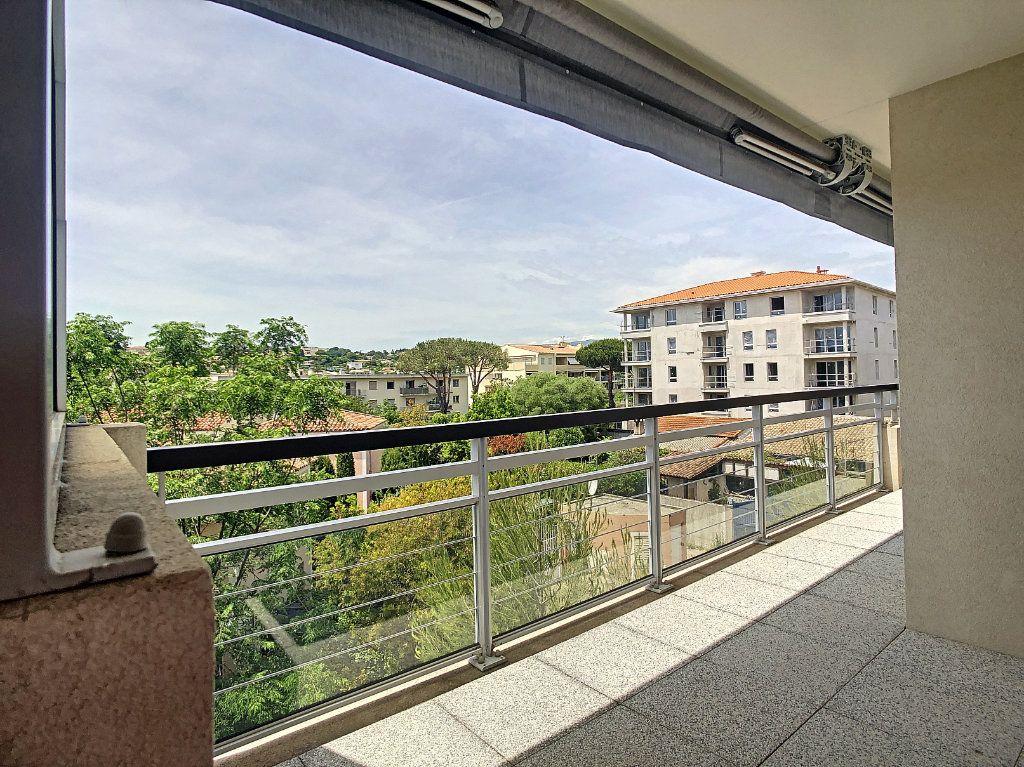 Appartement à vendre 3 55m2 à Antibes vignette-10