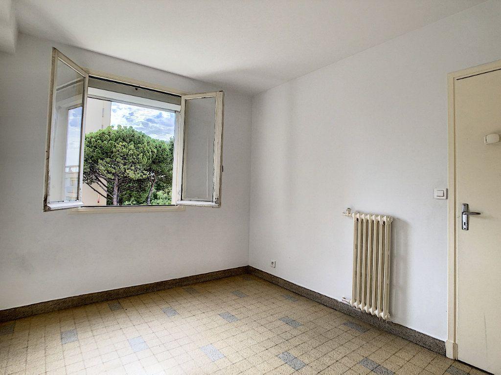 Appartement à louer 3 56m2 à Antibes vignette-8