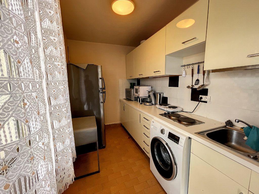 Appartement à louer 1 29.54m2 à Juan-les-Pins - Antibes vignette-8