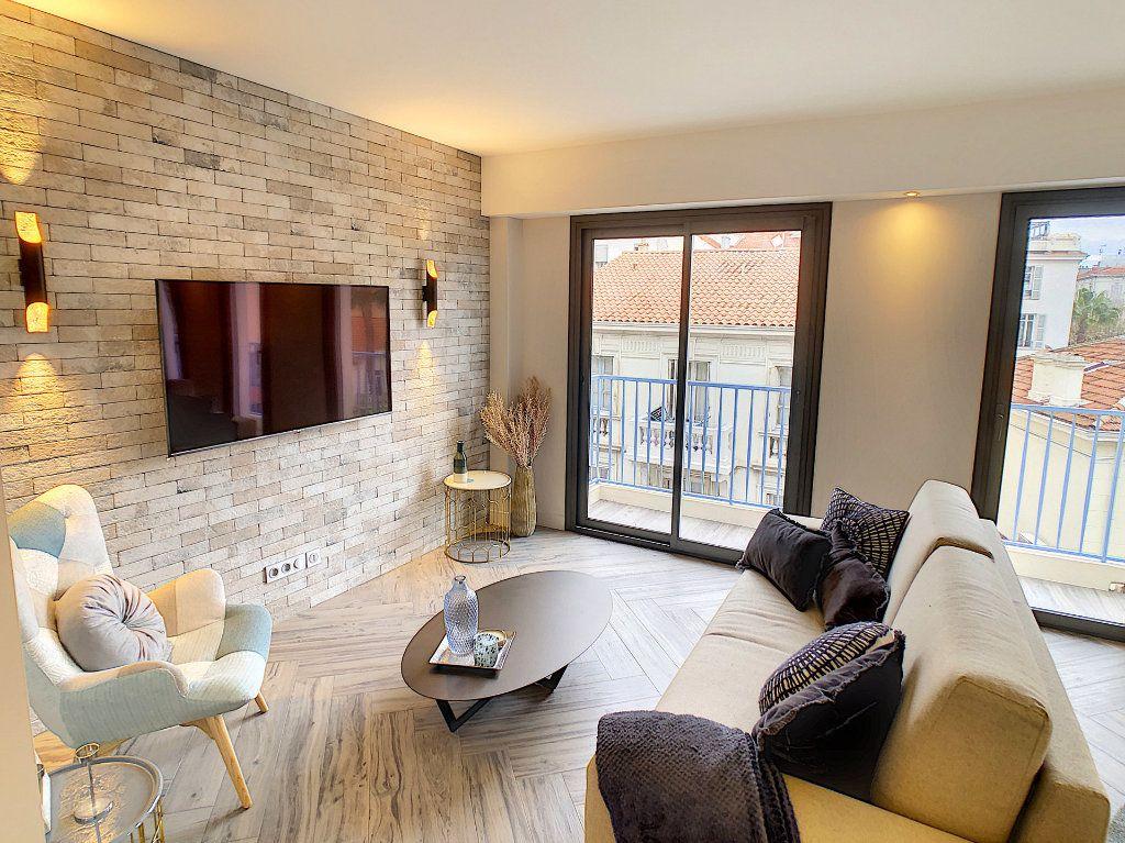 Appartement à vendre 4 77m2 à Antibes vignette-3