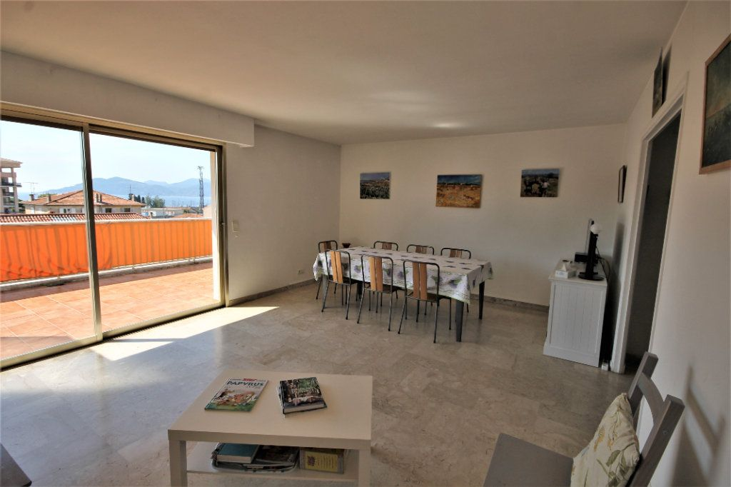 Appartement à vendre 3 74.13m2 à Cannes vignette-3