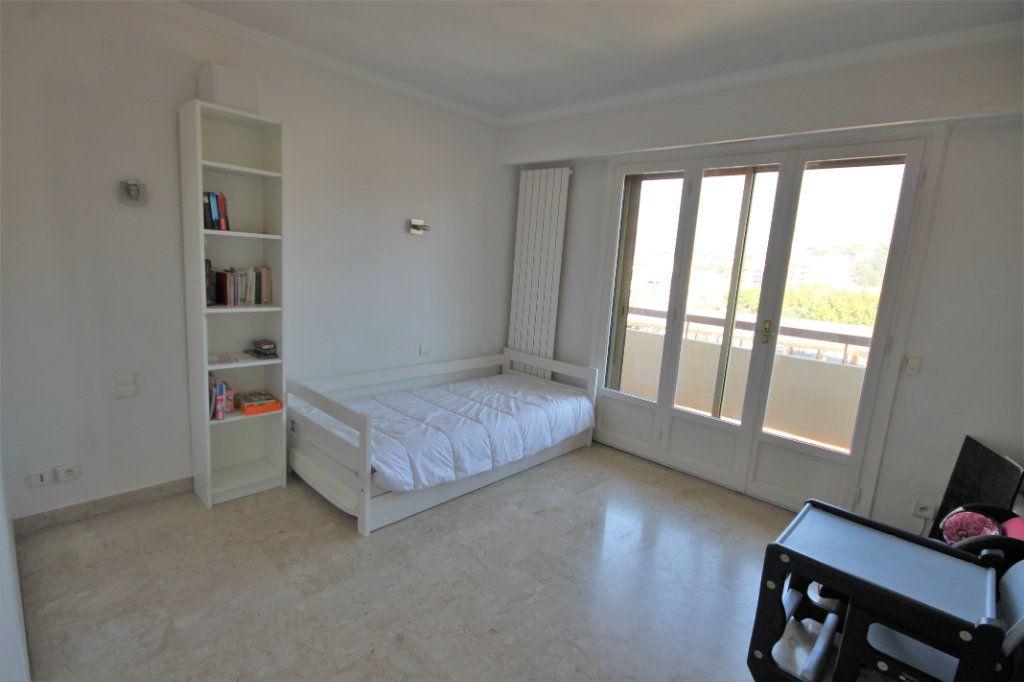 Appartement à vendre 3 74.13m2 à Cannes vignette-6