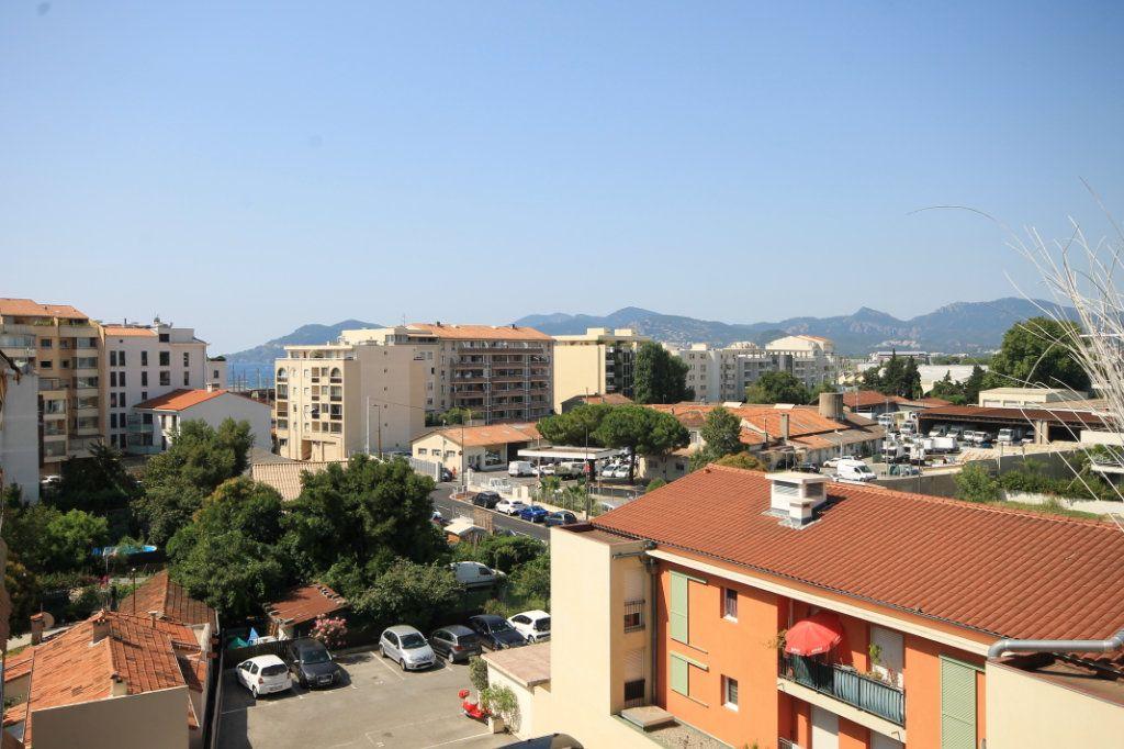 Appartement à vendre 2 46.58m2 à Cannes vignette-1