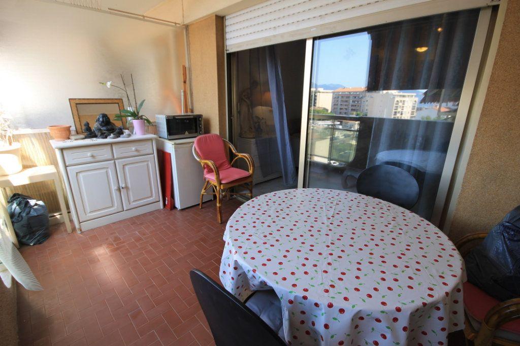 Appartement à vendre 2 46.58m2 à Cannes vignette-2