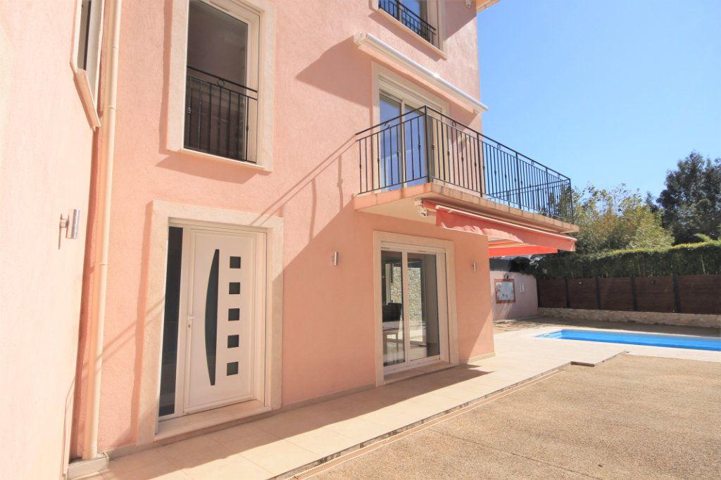 Maison à vendre 5 210m2 à Cannes vignette-2