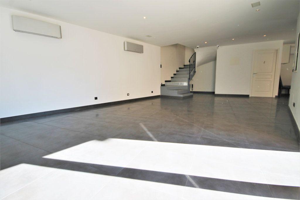 Maison à vendre 5 210m2 à Cannes vignette-3