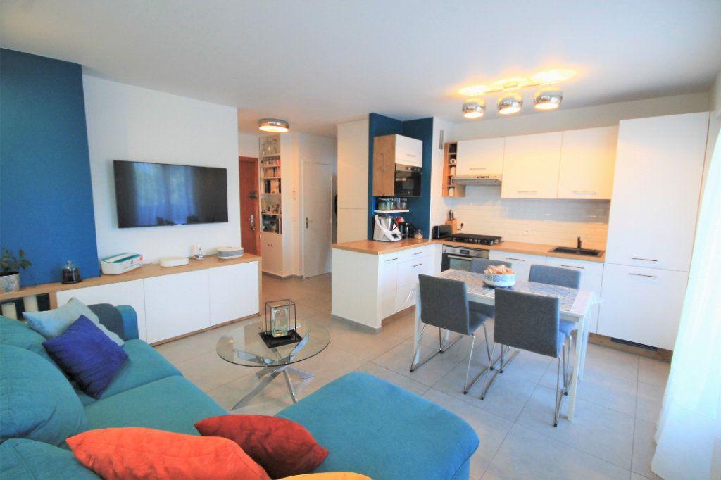 Appartement à vendre 3 48.5m2 à Cannes vignette-1