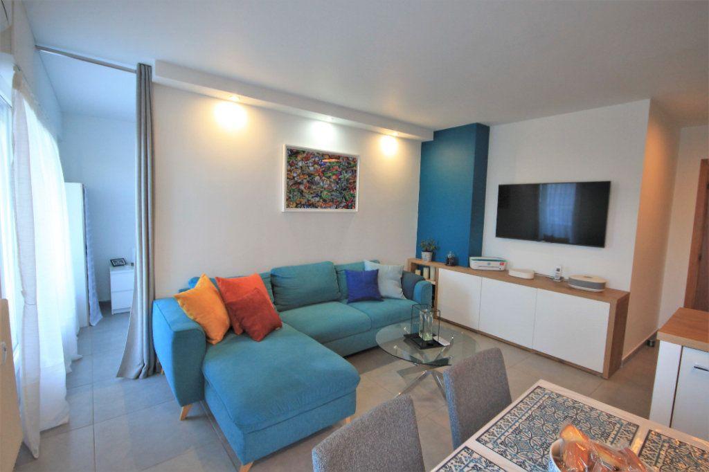 Appartement à vendre 3 48.5m2 à Cannes vignette-3