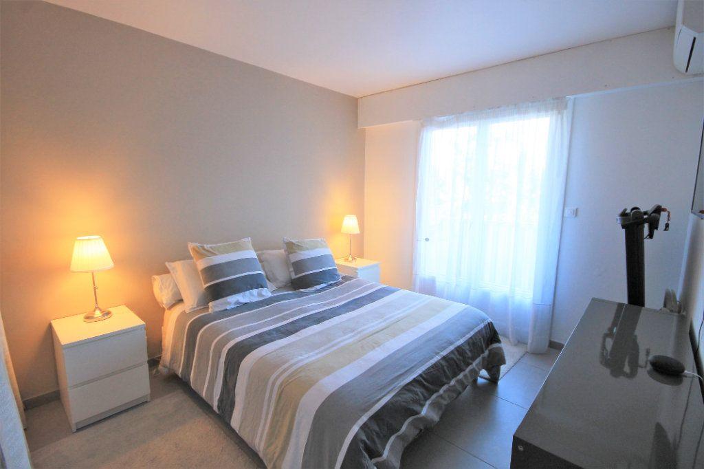 Appartement à vendre 3 48.5m2 à Cannes vignette-4