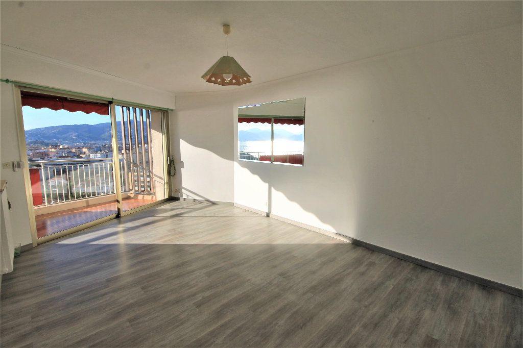 Appartement à vendre 2 51.48m2 à Cannes vignette-2