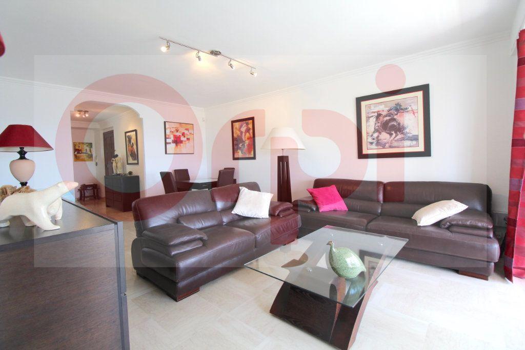 Appartement à vendre 3 78.66m2 à Cannes vignette-5