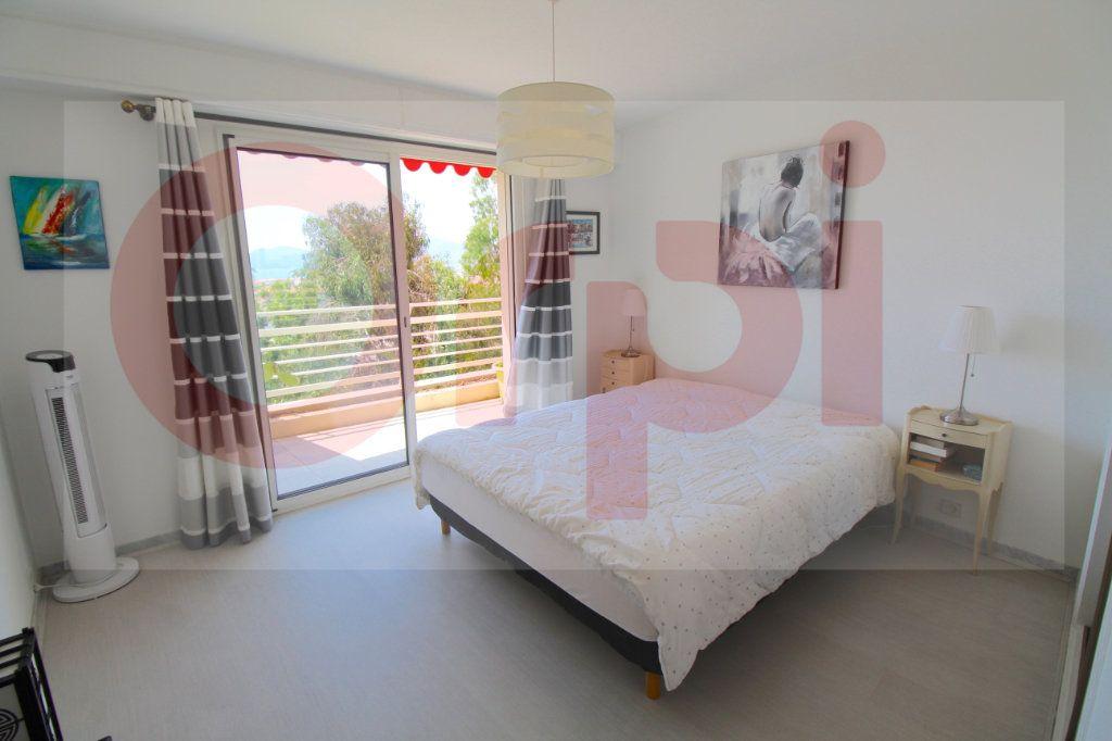 Appartement à vendre 3 78.66m2 à Cannes vignette-7