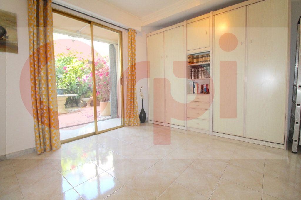 Appartement à vendre 3 78.66m2 à Cannes vignette-10