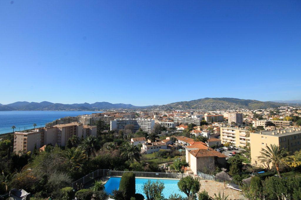 Appartement à vendre 2 51.61m2 à Cannes vignette-2