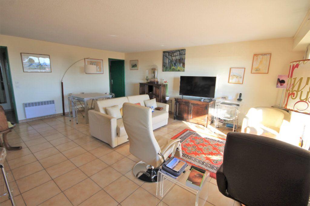 Appartement à vendre 3 85.5m2 à Cannes vignette-2