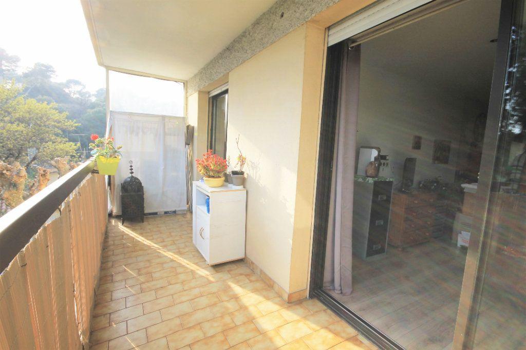 Appartement à vendre 3 61m2 à Le Cannet vignette-3