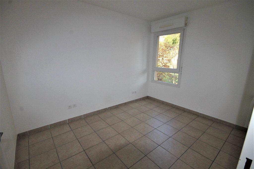 Appartement à louer 2 28.73m2 à Cannes vignette-4