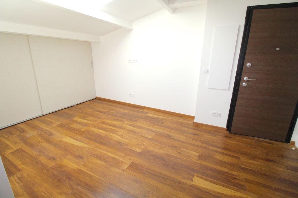 Appartement à vendre 3 31.96m2 à Cannes vignette-3