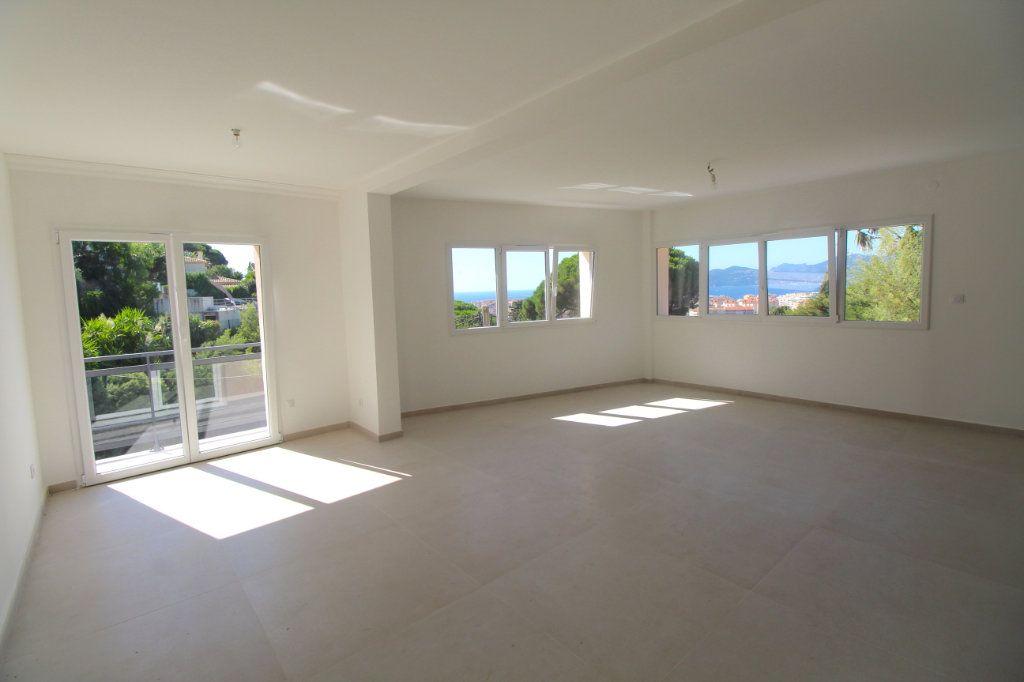 Appartement à vendre 4 85.01m2 à Cannes vignette-1