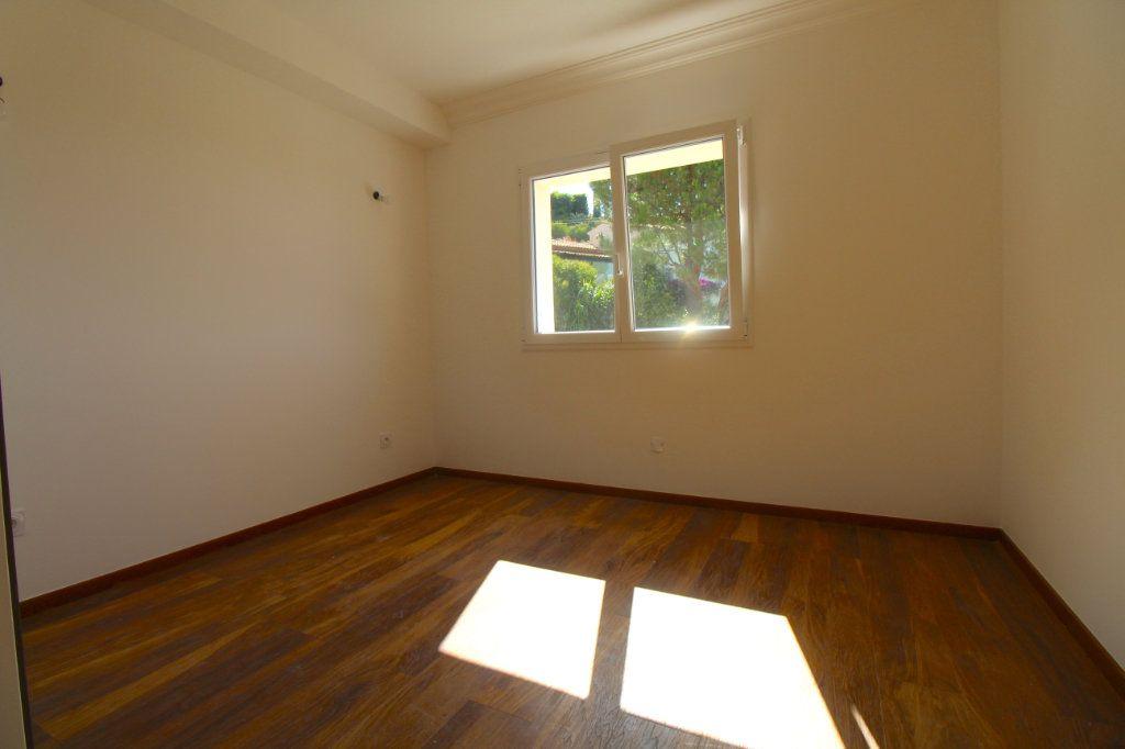 Appartement à vendre 4 85.01m2 à Cannes vignette-4