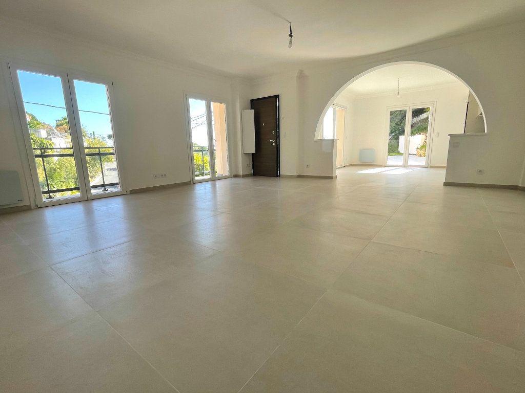 Appartement à vendre 4 145.83m2 à Cannes vignette-4
