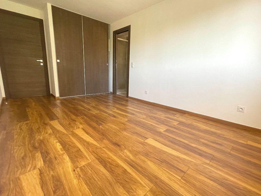 Appartement à vendre 4 145.83m2 à Cannes vignette-6