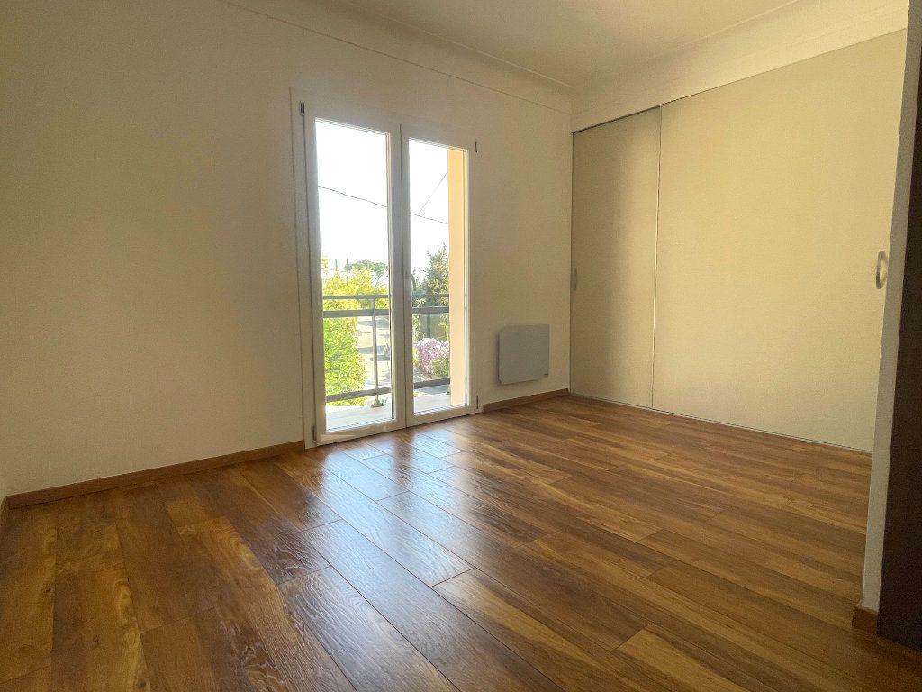Appartement à vendre 4 145.83m2 à Cannes vignette-7