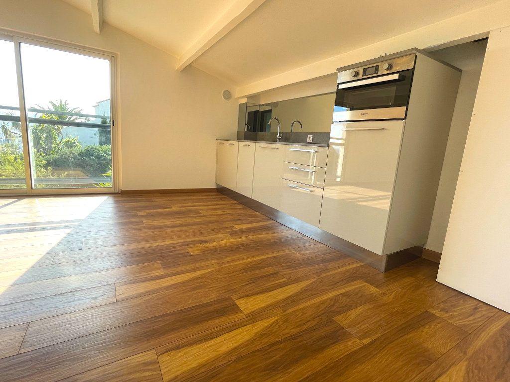 Appartement à vendre 2 33.59m2 à Cannes vignette-4