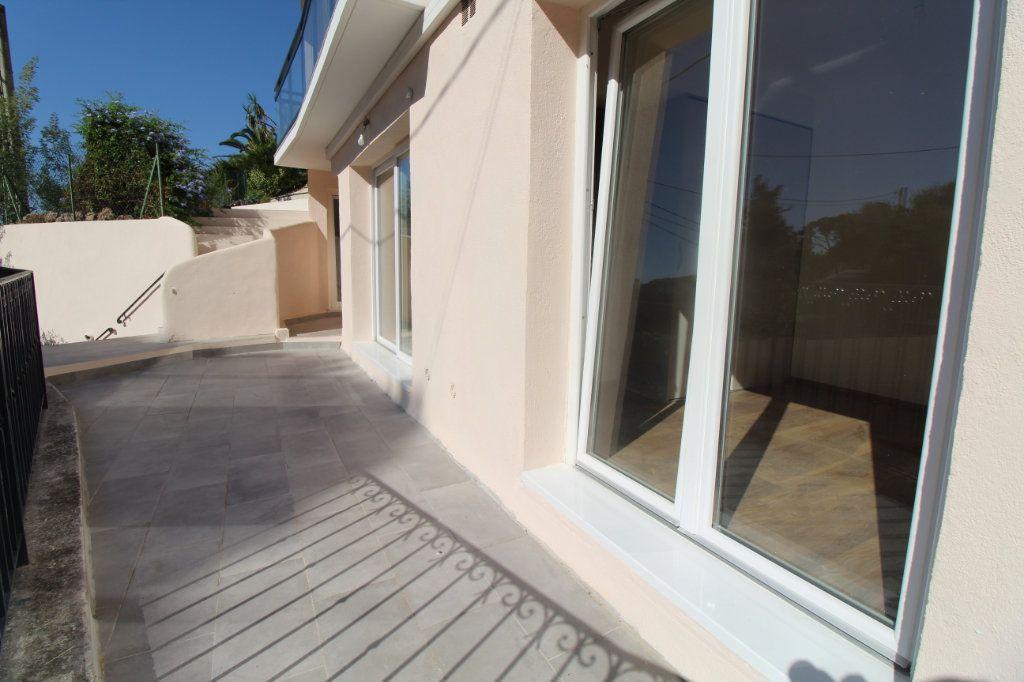 Appartement à vendre 3 74.81m2 à Cannes vignette-3
