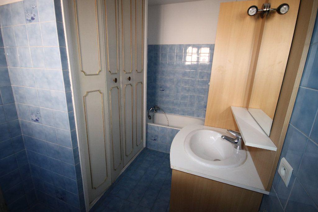 Appartement à louer 1 29.2m2 à Mandelieu-la-Napoule vignette-6