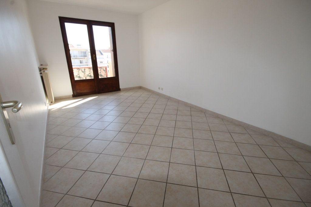 Appartement à louer 2 39m2 à Cannes vignette-2