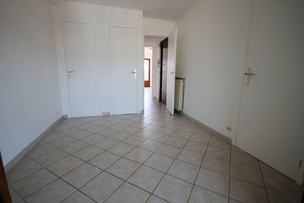 Appartement à louer 2 39m2 à Cannes vignette-4
