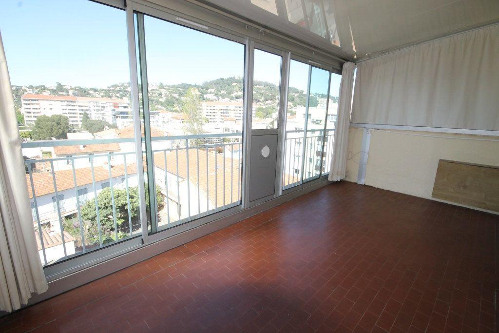 Appartement à louer 2 39m2 à Cannes vignette-6